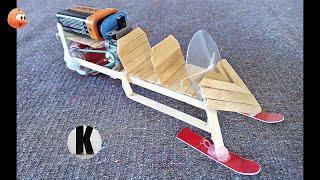 Как сделать снегоход из моторчика и палочек? / How to make a snowmobile from a motor and sticks? HD