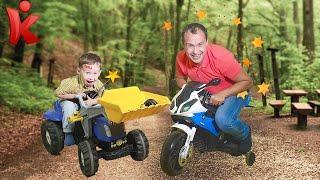 Синий трактор и мотобайк для детей. Кто мешает малышу смотреть мультфильмы? Видео для детей.