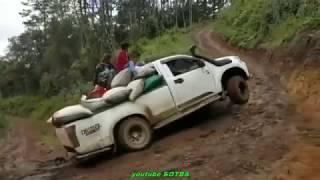 Приколы на дорогах. Авто юмор. Смешные водителя.