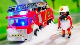 Мультики про машинки. Игрушка Петрович спасает Валеру на Пожарной машинке. Мультфильмы для детей