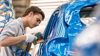 Как люди и роботы собирают автомобили Renault в Москве