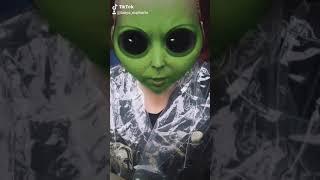 Пришельцы, юмор с намёком на идиотизм нашей земной расы