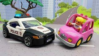 Мультики для детей с машинками - девчачья машина. Новые игрушечные мультфильмы и видео про машинки