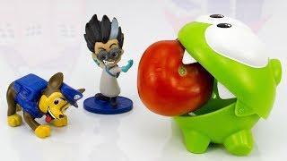 Ам Ням и Щенячий Патруль делят помидор. Мультфильмы для детей